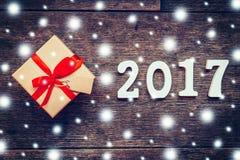 Houten aantallen die het aantal 2017, voor het nieuwe jaar vormen Royalty-vrije Stock Foto's