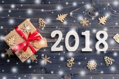 Houten aantallen die het aantal 2018, voor het nieuwe jaar 2018 op r vormen Stock Afbeelding
