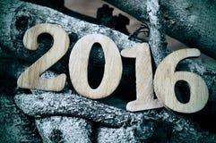 Houten aantallen die het aantal 2016 vormen, als nieuw gestemd jaar, Royalty-vrije Stock Fotografie