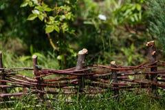 Houten Acaciaomheining in de tuin Royalty-vrije Stock Foto's