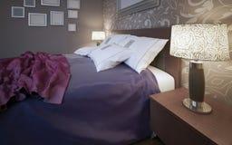 Houten bed met kleurrijke dekens Royalty-vrije Stock Afbeeldingen