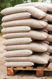 Houten biomassa in zakken royalty-vrije stock fotografie