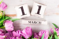 Houten Blokken met de Datum van de Moedersdag, 11 Maart Stock Foto's