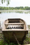Houten boot op het meer Royalty-vrije Stock Foto