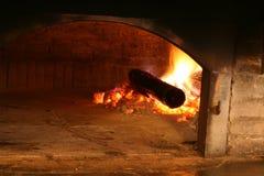 Houten-brandt oven stock foto