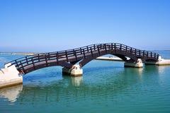 Houten brug in de Stad van Lefkada Stock Afbeeldingen
