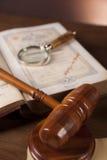 Houten bureau in een advocatenkantoor Royalty-vrije Stock Foto's
