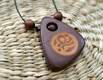 Houten chineese amulet royalty-vrije stock foto