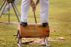 Houten Chopper Competing In An Event bij een Land toont stock afbeeldingen