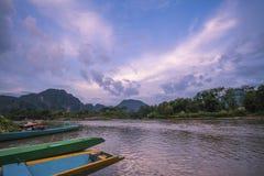 Houten de bootrivier van Vangvieng Vientiane Laos Stock Fotografie