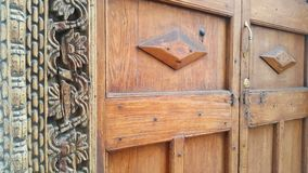 Houten de kettingsgravure van deurzanzibar royalty-vrije stock foto's