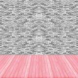 Houten de kleurenperspectief van de vloer roze pastelkleur op bakstenen muur grijs col. Royalty-vrije Stock Afbeelding