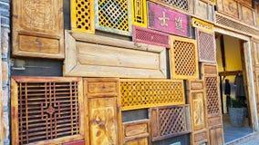Houten decoratie van de oude stad van Lijiang, China stock afbeeldingen