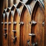 Houten decoratieve middeleeuwse deur Royalty-vrije Stock Fotografie