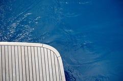 Houten dek van de boot Stock Afbeeldingen