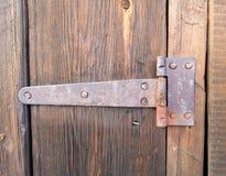 Houten deur met oud deurslot Stock Afbeeldingen