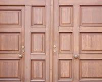 Houten deurclose-up, bruine achtergrond Royalty-vrije Stock Afbeelding