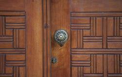 Houten deurdetail Stock Afbeeldingen