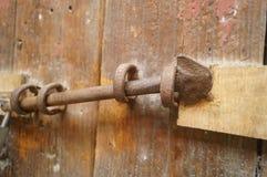 Houten deuren en sloten in een oud huis Royalty-vrije Stock Foto