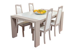 Houten die eettafel en stoelen op witte achtergrond wordt geïsoleerd Royalty-vrije Stock Foto