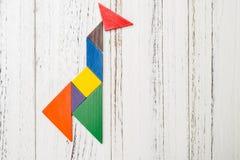 Houten die tangram als een giraf wordt gevormd Stock Foto's