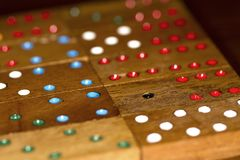 Houten domino's en aantallen royalty-vrije stock afbeelding