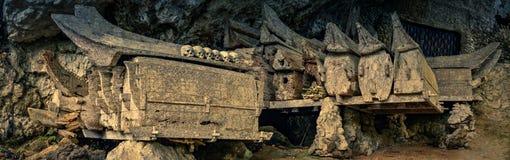 Houten doodskisten in Kete Kesu royalty-vrije stock afbeelding