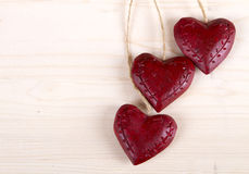 Houten drie rode harten Royalty-vrije Stock Foto