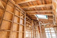 Houten frame van een nieuw huis in aanbouw Royalty-vrije Stock Afbeelding