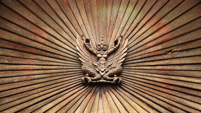 Houten garuda houten standbeeld Royalty-vrije Stock Foto's