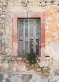 Houten gesloten venster Stock Afbeeldingen