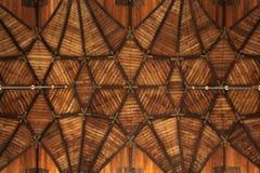 Houten gewelfd plafond in Grote Kerk in Haarlem, Nederland Stock Foto's