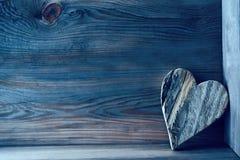 Houten hart op plank Stock Foto