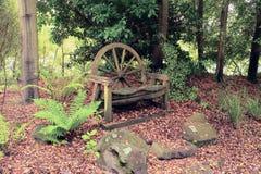 Houten het vervoerwiel van het stoel antiek paard Stock Fotografie