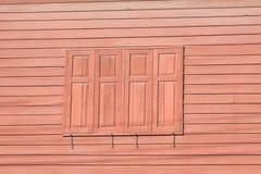 Houten huis en venster Royalty-vrije Stock Afbeelding