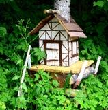 Houten hut in het park Stock Foto