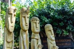Houten idolen bij de dierentuin royalty-vrije stock afbeeldingen
