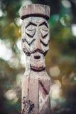 Houten idool in het bos Royalty-vrije Stock Foto
