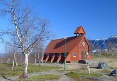 Houten kerk in Noordelijk Zweden royalty-vrije stock afbeeldingen