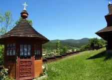 Houten kerk, Vorohta, Karpatische bergen, de Oekraïne stock fotografie
