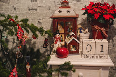 Houten Kerstmiskalender in het binnenland Royalty-vrije Stock Foto