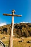 Houten Kruis - Italiaanse Alpen Stock Foto's