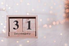 Houten kubus gestalte gegeven kalender met 31 December-datum royalty-vrije stock afbeeldingen