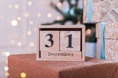 Houten kubus gestalte gegeven kalender met 31 December-datum royalty-vrije stock foto