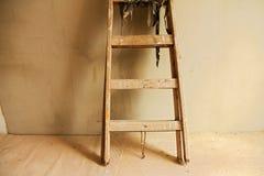 Houten ladder royalty-vrije stock afbeelding