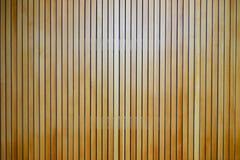 De achtergrond van de visualisatie. muur van houten latjes.