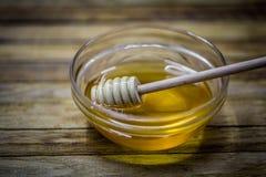houten lepel voor honing, royalty-vrije stock foto