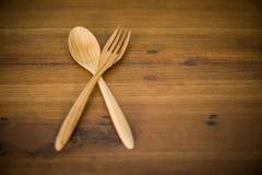 Houten lepels en houten vork Stock Foto's