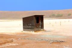 Houten loods op zoute gebieden, Zoutmeren, Zout, Kaapverdië Stock Afbeeldingen