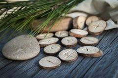 Houten met de hand gemaakte runen Royalty-vrije Stock Fotografie